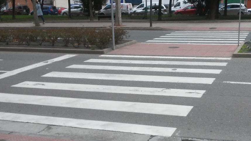 Mejora del paso de peatones en Carmen Medrano con rotonda del olivo