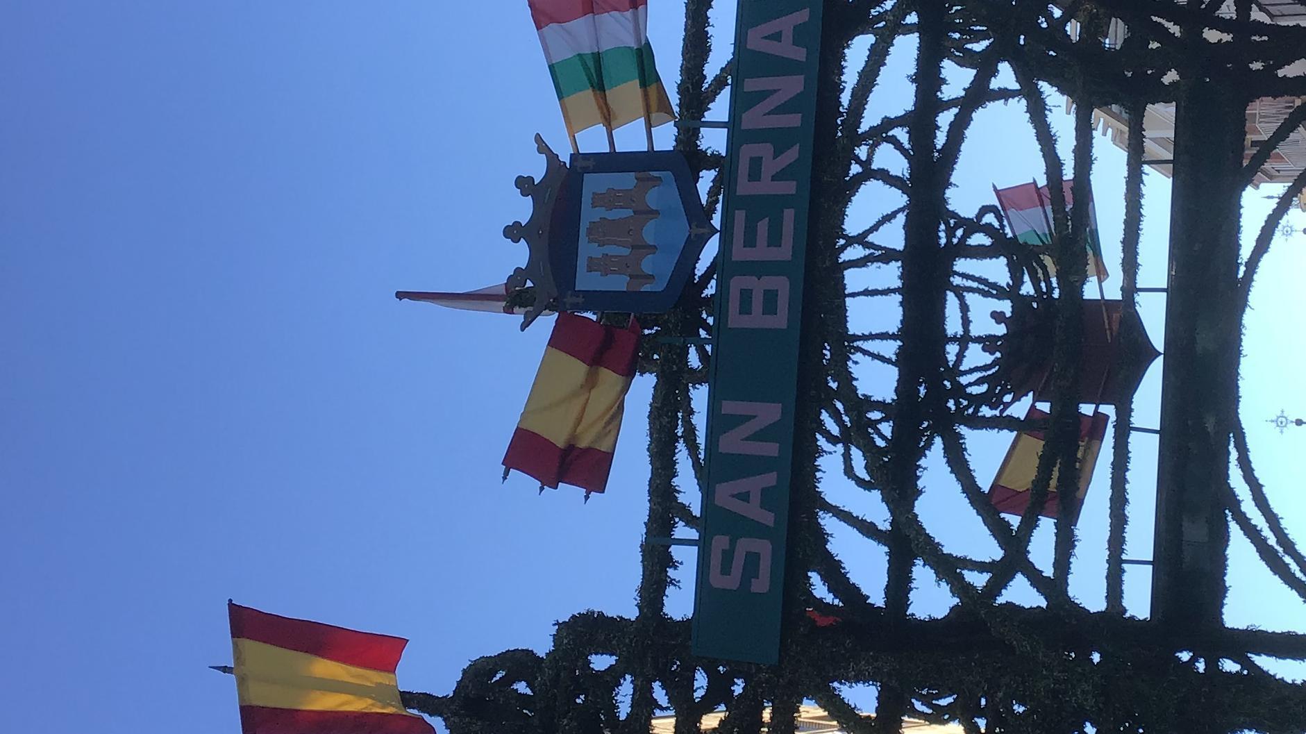 Tildar el arco de San Bernabé.