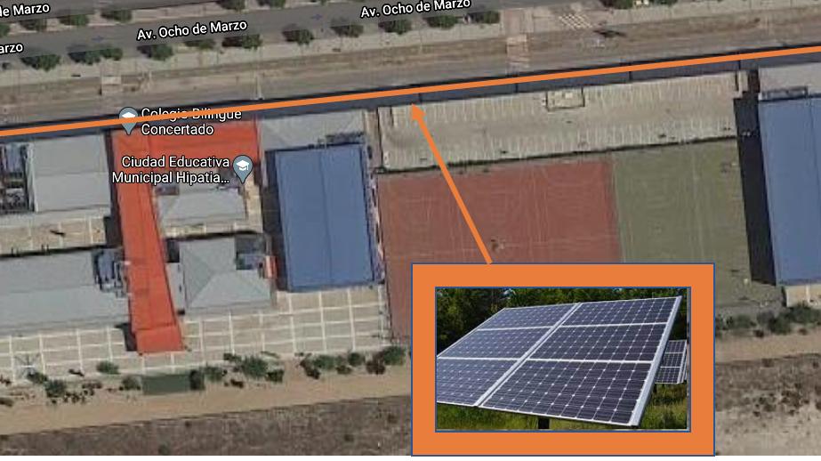 Paneles solares fotovoltaicos techado delante del Hipatia