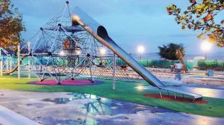 Parque infantil galáctico