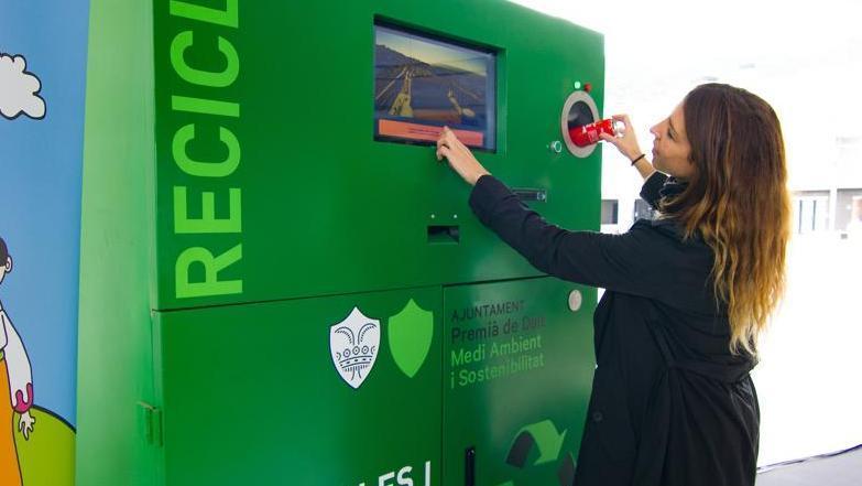 Instalación de contenedores de reciclaje con recompensa